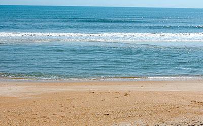 3-Clean-beach-400x250